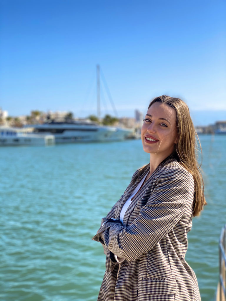 Ione Astondoa, millennial and representative of the fourth family generation, joins the management of the luxury shipyard, ASTONDOA